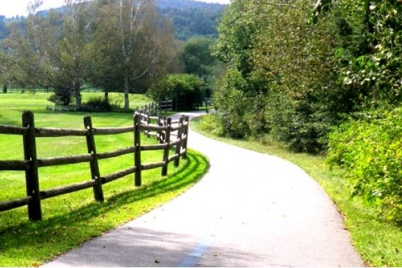 The Stowe Recreation Path | KMR Luxury Kosher Vacations